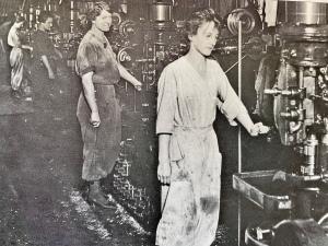 Drill press operators at Bethlehem Steel during WWI